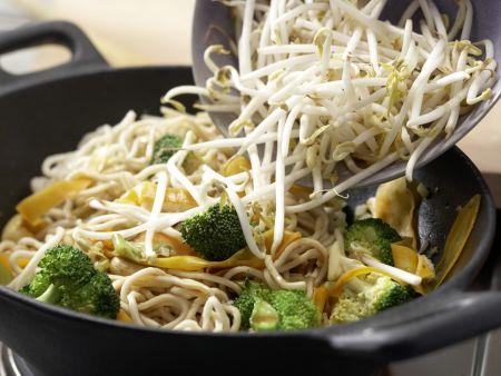 Vegetarische Nudelpfanne: Zubereitungsschritt 7