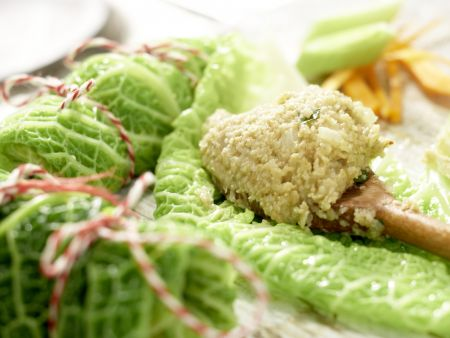 Vegetarische Wirsingrouladen: Zubereitungsschritt 9
