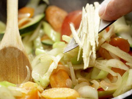 Vegetarisches Nasi Goreng: Zubereitungsschritt 6