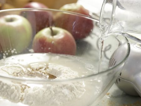 Vollkorn-Apfelstrudel: Zubereitungsschritt 1