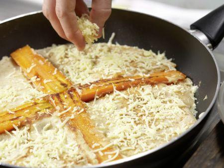 Vollkorn-Pfannkuchen mit Möhren und Sesam: Zubereitungsschritt 7