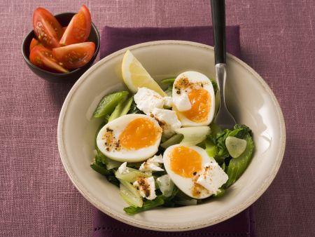 Wachsweiche Eier auf Mangold