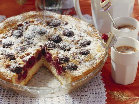 Walnuss-Kirsch-Kuchen auf Schweizer Art (Wähe)