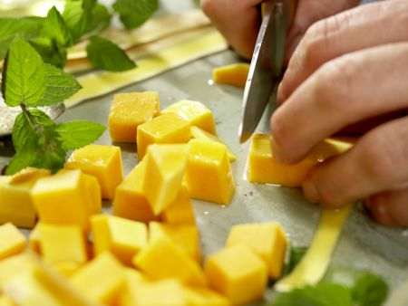 Warmer Kürbissalat: Zubereitungsschritt 3