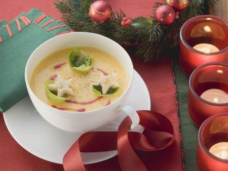 Weihnachtliche Kürbissuppe mit Rosenkohl