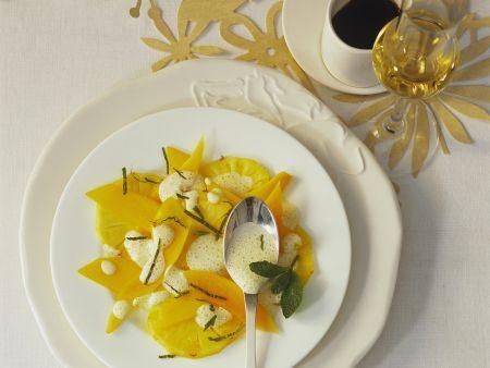 Weihnachtlicher Mango-Ananas-Salat