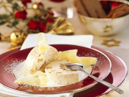 weihnachtliches eisparfait mit keksen rezept eat smarter. Black Bedroom Furniture Sets. Home Design Ideas