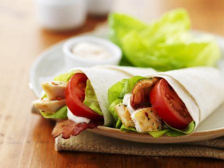 Wraps mit Hähnchen und Tomaten