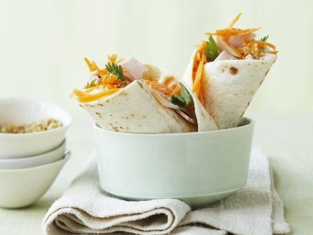 Rezept: Wraps mit Karottensalat, Schinken und scharfem Orangen-Sesamsalz (Gomasio)