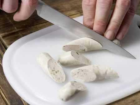 Würstchen-Champignon-Spieße: Zubereitungsschritt 3