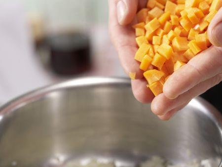 Würstchengulasch mit Spätzle: Zubereitungsschritt 4