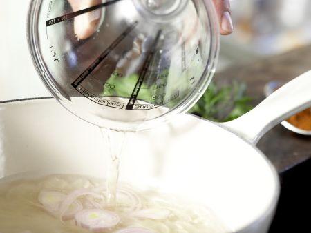 Würzige Hähnchensülze: Zubereitungsschritt 2