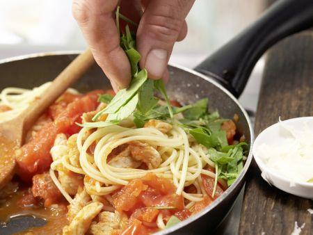 Spaghetti mit Tomatensauce: Zubereitungsschritt 11