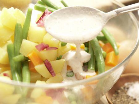 Würziger Gemüsesalat: Zubereitungsschritt 8