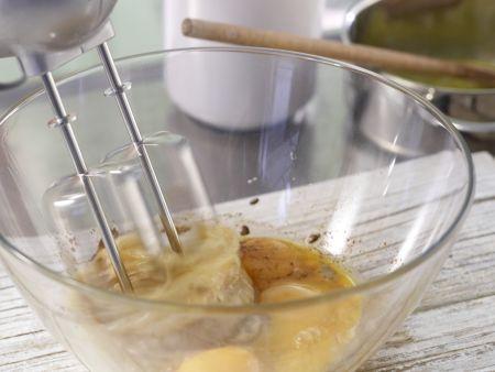 Würziger Makronenkuchen: Zubereitungsschritt 2