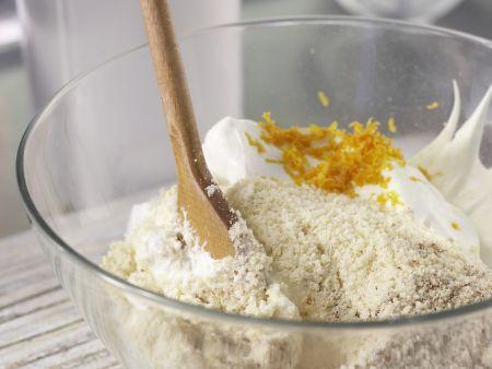 Würziger Makronenkuchen: Zubereitungsschritt 7