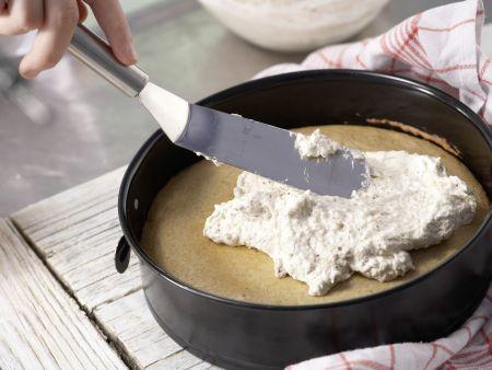 Würziger Makronenkuchen: Zubereitungsschritt 8