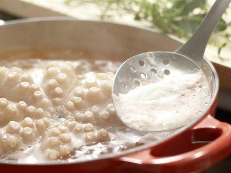 Würziger Oktopus-Gemüse-Salat: Zubereitungsschritt 2