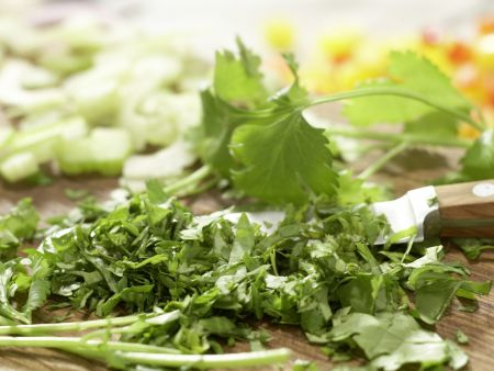 Würziger Oktopus-Gemüse-Salat: Zubereitungsschritt 6
