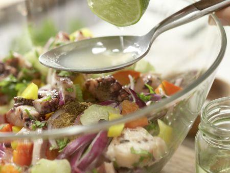 Würziger Oktopus-Gemüse-Salat: Zubereitungsschritt 7