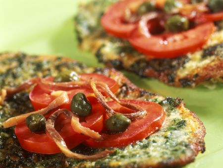 Rezept: Würziges Kräuterschnitzel mit Kapern und Tomaten