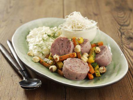 Wurstsalat mit Meerrettich und Püree aus Pastinake