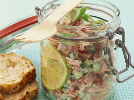 Rezept: Wurstsalat mit Tomate und Gurke