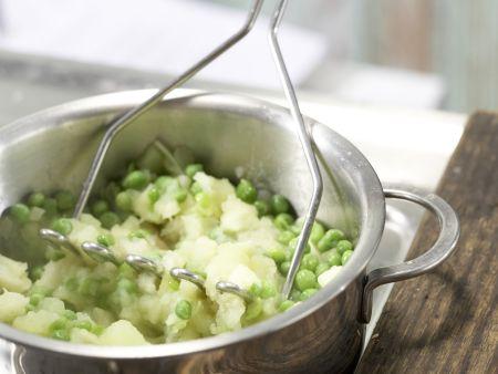 Wurstschnitzel mit grünem Püree: Zubereitungsschritt 6