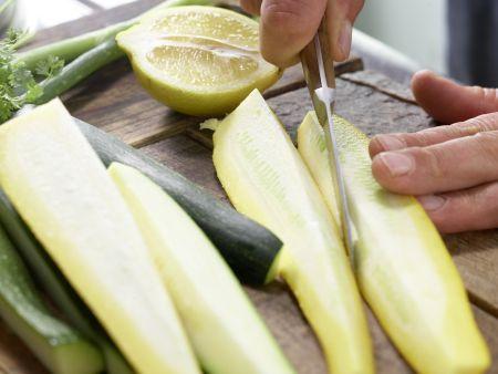 Zanderfilet auf Zucchini: Zubereitungsschritt 1