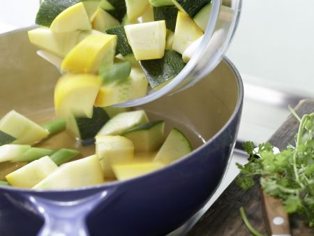 Zanderfilet auf Zucchini: Zubereitungsschritt 4