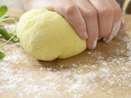 Ziegenkäse-Tortellini: Zubereitungsschritt 3