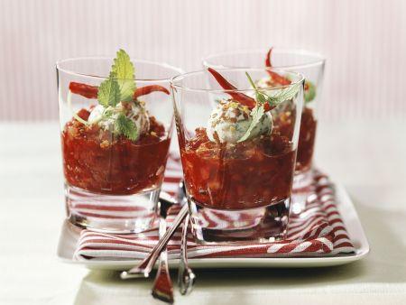 Ziegenkäseklößchen in Salsa aus Erdbeere und Chili
