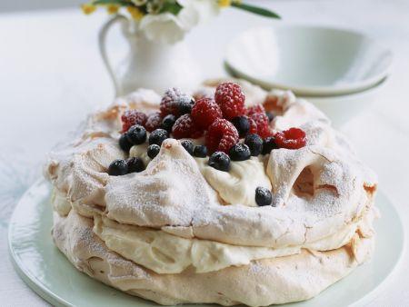 Rezept: Zitronen-Pavlova mit frischen Beeren