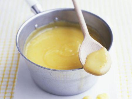 Zitronencreme nach englischer Art