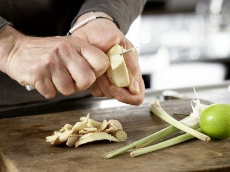 Zitronengrassuppe: Zubereitungsschritt 1