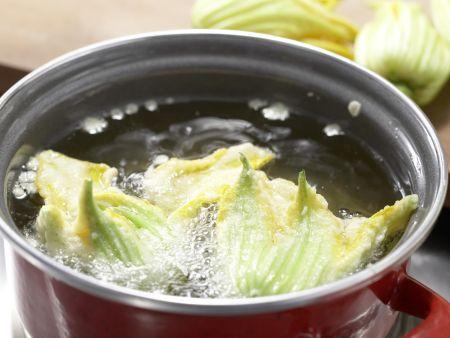 Zitronensauce mit Zucchiniblüten: Zubereitungsschritt 5