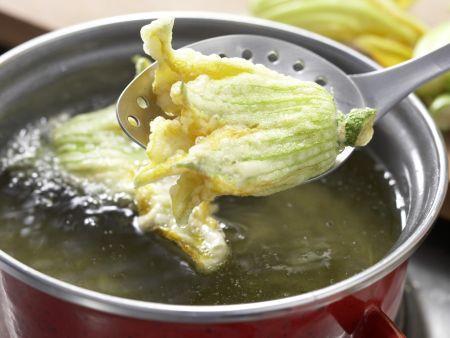 Zitronensauce mit Zucchiniblüten: Zubereitungsschritt 6