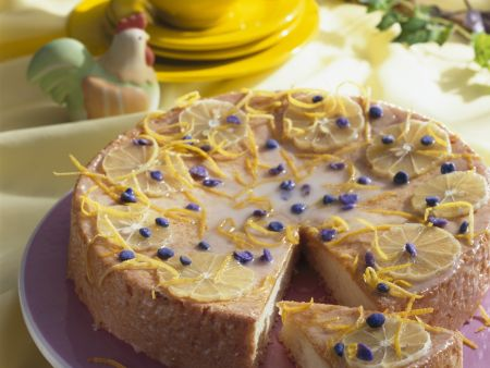 Rezept: Zitronentorte mit Veilchen