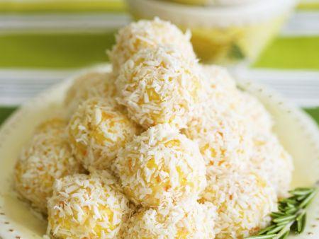 Zitronige Frischkäse-Klößchen mit Parmesan