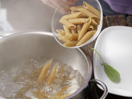 Zucchini-Nudel-Brei mit Hackfleisch: Zubereitungsschritt 1