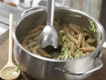 Zucchini-Nudel-Brei mit Hackfleisch: Zubereitungsschritt 6