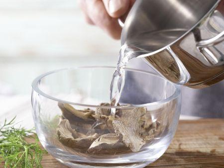 Zucchini-Pfanne: Zubereitungsschritt 1