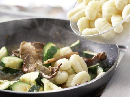 Zucchini-Pfanne: Zubereitungsschritt 6