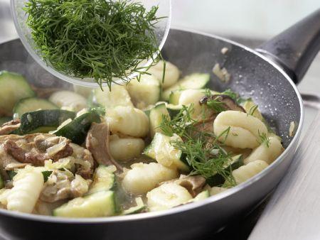 Zucchini-Pfanne: Zubereitungsschritt 7