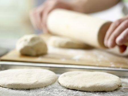 Zucchini-Pizza mit Mozzarella: Zubereitungsschritt 6