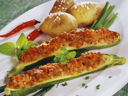 Zucchinischiffchen mit Kartoffeln