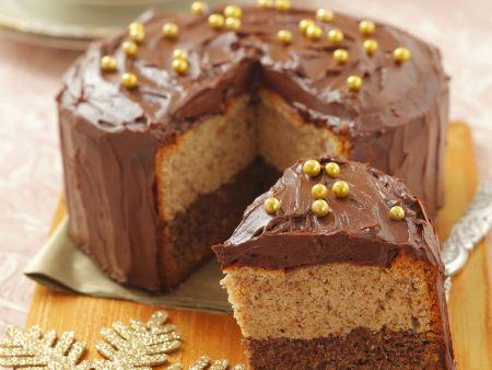 Zwei-Nuss-Kuchen mit Schokocreme