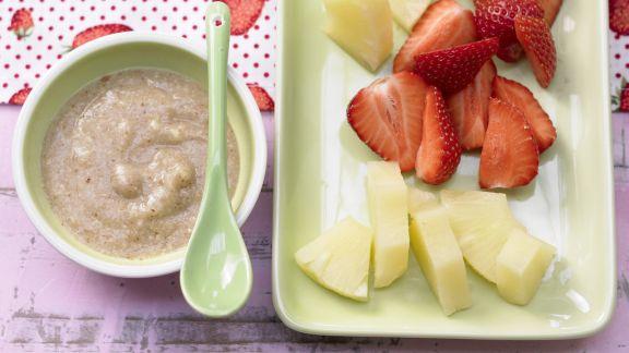 Rezept: Ananas-Erdbeer-Teller mit Nuss-Dip