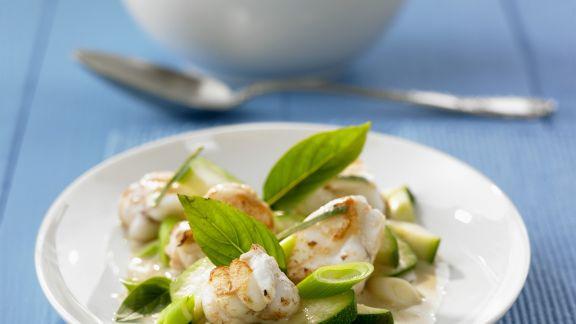 Rezept: Anglerfisch mit Zucchini-Kokos-Curry