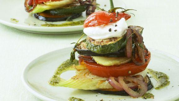 Rezept: Antipasti-Türme mit grünem Pesto